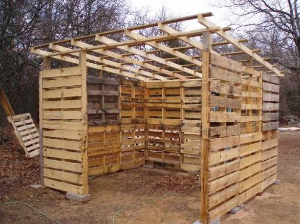 Muebles de palets como hacer una caba a o almac n con - Como hacer una cabana de madera ...