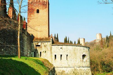 The Great Wall of Verona and the underground tunnels (private tour) - Tryverona
