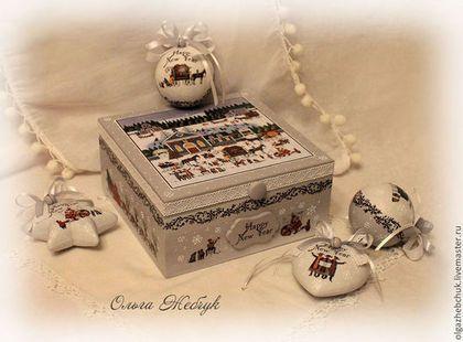 """Набор ёлочных игрушек в шкатулке """" Новогодние гулянья """" - бледно-сиреневый"""