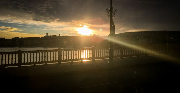 Early Morning View on Danube, Budapest. ⠀⠀⠀ ⠀⠀⠀ Visit Budapest in a week with our smart city guide!⠀⠀⠀⠀ #Hungary #Budapest #Danube