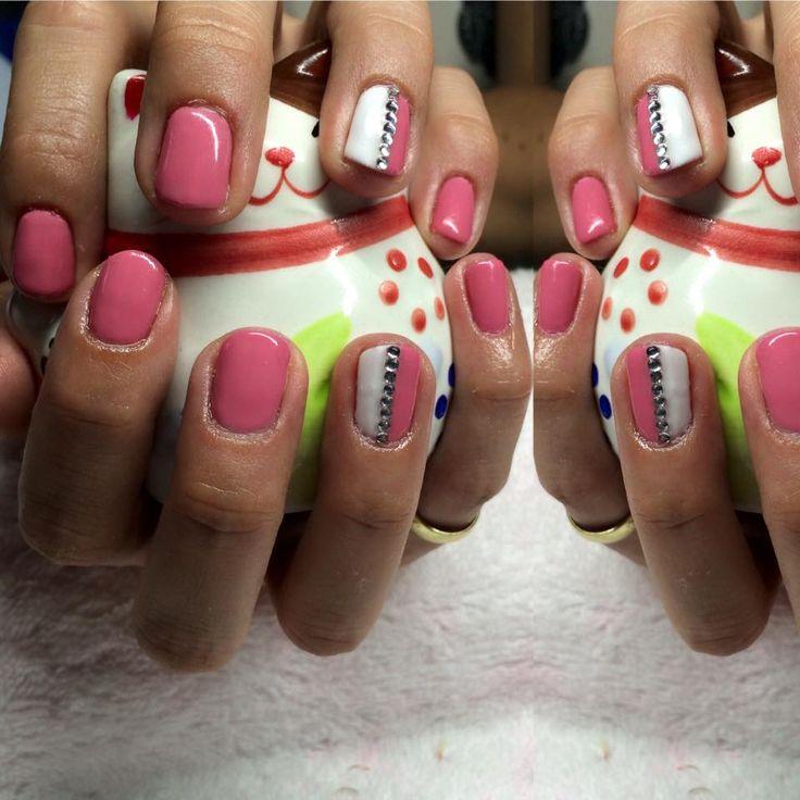 gel lac nail polish, pink white rhinestone
