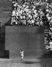 Willie Mays - making the basket catch