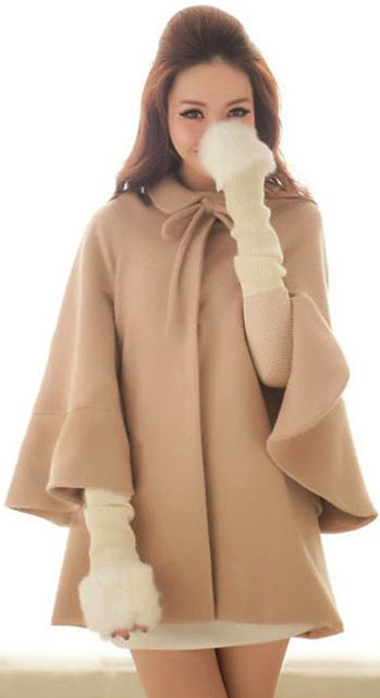Cape coat. Great style cape, with just the perfect colour.I want one!!!: