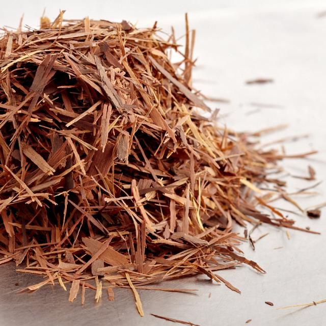 Te af pau d´arco inderbark. Pau d´arco har en skøn, sød smag og er virkelig god sammen med kakao eller mandelmælk.