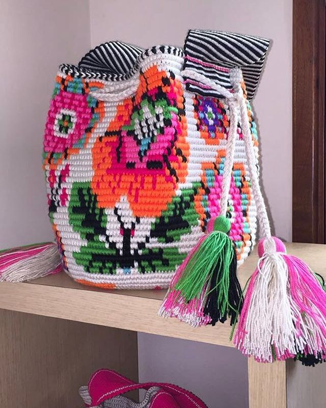 We know it's cold outside in many parts of the world  but we are already getting ready to ship out our #mochi bags in time for spring!  . . . . . #mochibcn #mochilas #crossbodybag #shoulderbag #wayuubag #notawayuu #madeinColombia #delacosta #chic #boho #bohobags #spring #colors #ethicalfashion #handmade #fairtrade
