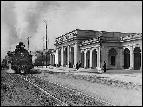 Western Pacific Railroad Depot Oakland, c.1910, collection of California Images/ bennetthall