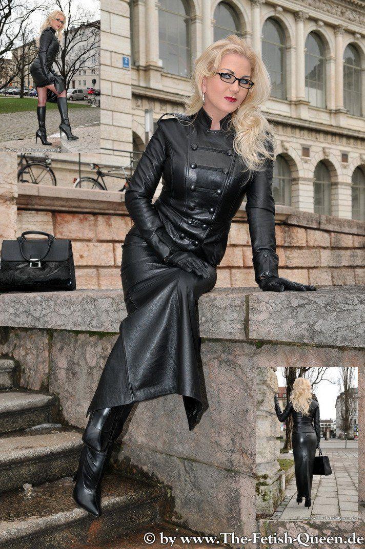 Heike fetish queen in arollo boots