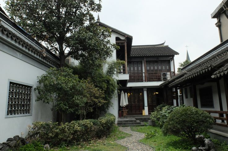 Langtang, alley house in Shanhai