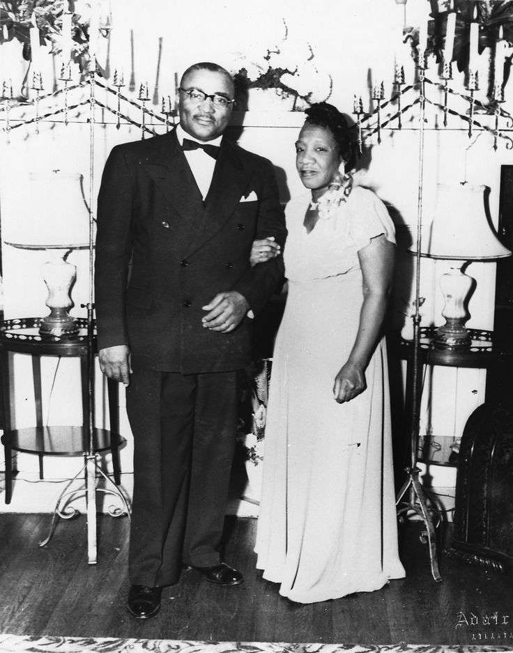 """Martin Luther King Sr. and his wife, Alberta """"Bunch"""" Williams King. King Sr. gave her the nickname upon her return from college, shortening """"bunch-of-goodness"""" to just """"Bunch."""" They were married in 1926. Courtesy of the King/Farris Family."""