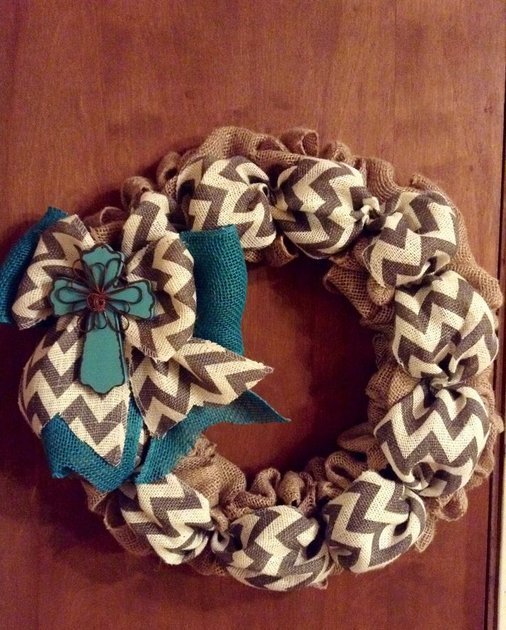 Burlap wreath By Wheat State of Mind. Find it on Facebook