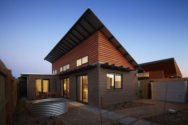 This public housing project built for Vic Urban and designed by Zen Architects features Radial Timber Natural Edge Weatherboards and other green sustainable initiatives. Details: http://radialtimbers.com.au/portfolio-type/vicurban-sustainable-affordable-housing-initiative/