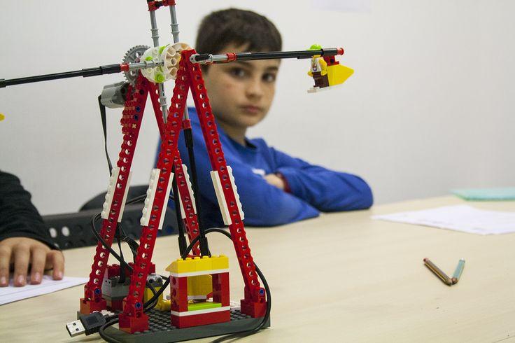¡Descubre la nueva herramienta que ayuda a potenciar de manera extraordinària las capacidades innatas de aprendizaje que tienen tus hijos! #roboticaeducativa #robotica #educación #legoeducation #education #educacionbarceloa #educacio #barcelona www.edukative.es