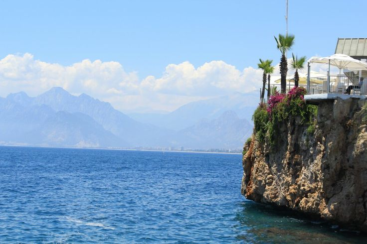 Waking up to these pictures of Antalya from my friend is awesome☀️