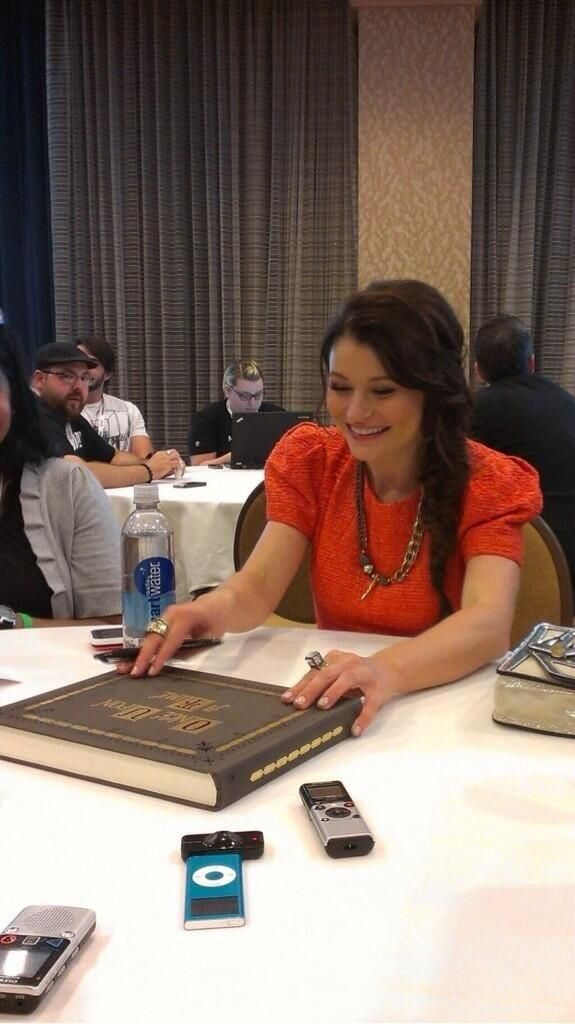 51 best images about Emilie De Ravin: woman crush material #2 on ...