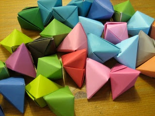 Our Handmade Home: How to make... Origami Christmas Decorations
