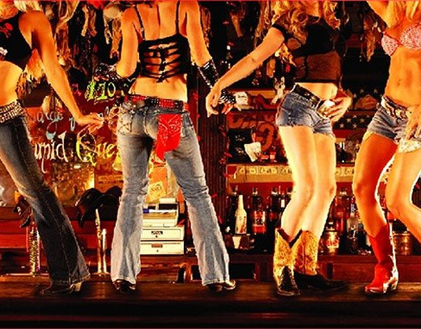 Coyote Ugly bar opens in Kyiv!