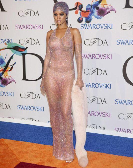 swarovski dresses - Rihanna devastadora