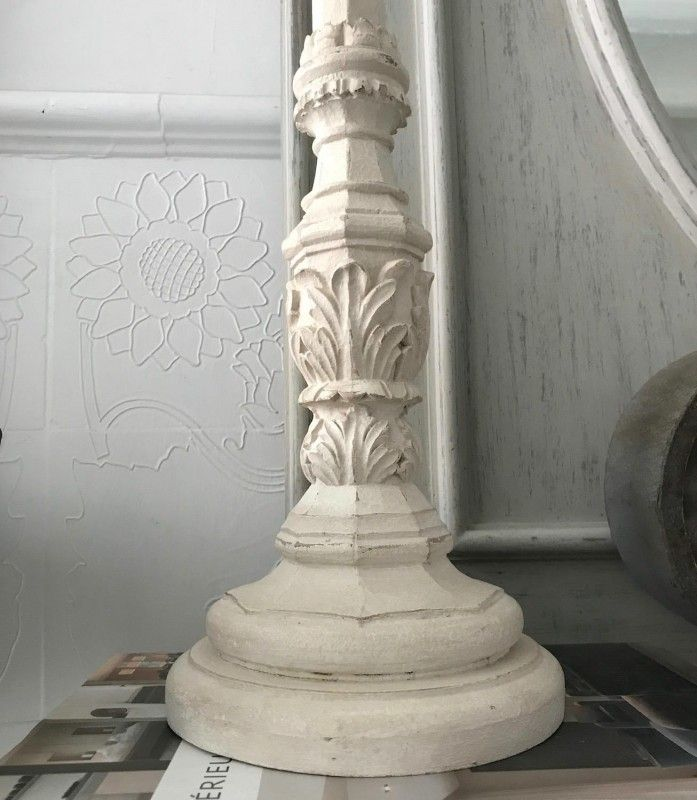 Casa De Muñecas Tres pequeñas pedestales de pantalla francés