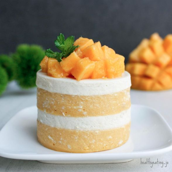 Mango Vanilla Protein Panna Cotta by @healthyeating_jo - Sweeter Life Club