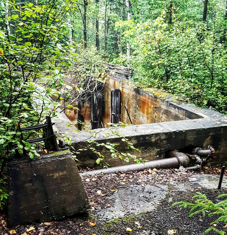 Old mine just north of River Valley