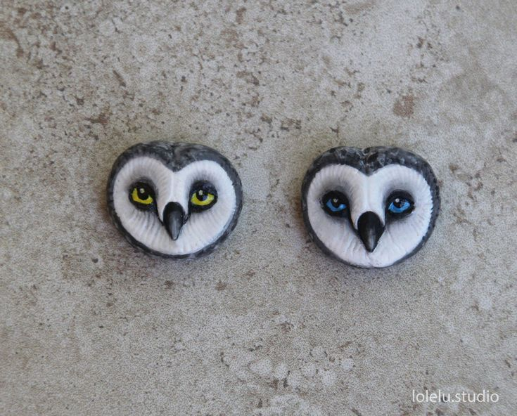 This listing is for one handmade polymer clay snowy owl face bead.  For now only owl with blue eyes is available  I plan to add more soon..  Please contact me if you dont see what you are looking for. I am always glad to help!  The bead is hand made by me of polymer clay and realistically hand