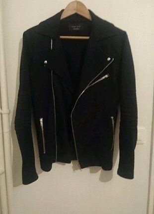 À vendre sur #vintedfrance ! http://www.vinted.fr/mode-hommes/vestes-courtes-mi-saison/25350508-perfecto-en-tissus-bleu-marine-zara