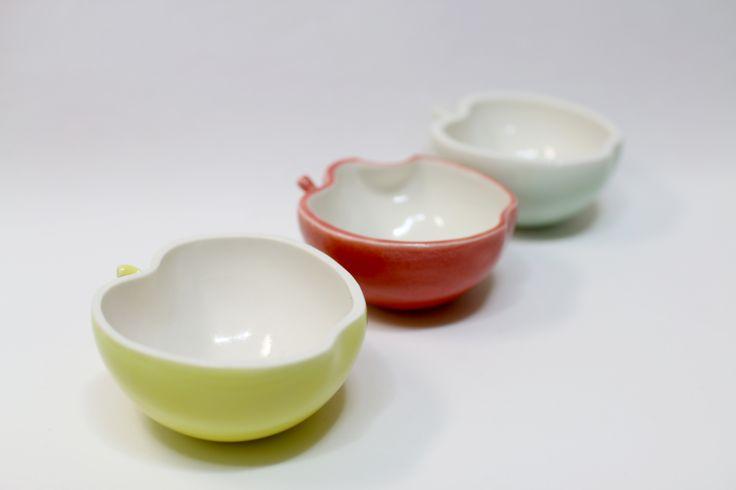 Apple Bowl   porcelain,color glazes,slip casting,jahyeon jeon 10x10.5XH5(cm)