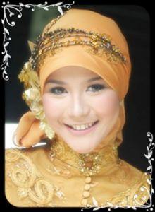 Ini style hijab wisuda ... Hijab wisuda harus kelihatan style remaja nya.