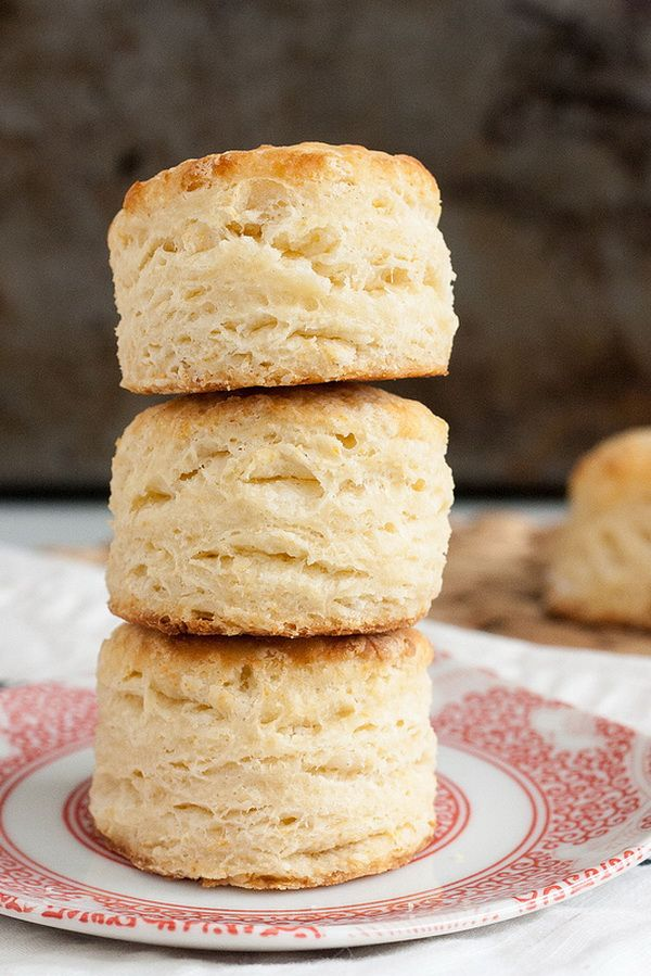 Foolproof Flaky Buttermilk Biscuits-I love biscuits, especially topped with my mom's gravy! Mmmmm.