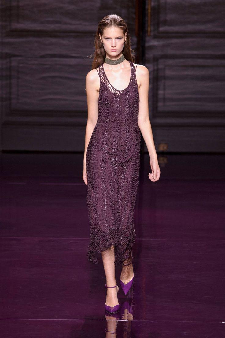 Nina Ricci Spring/Summer 2017  - ELLE.com