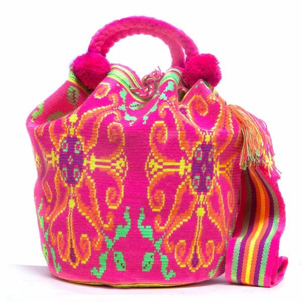 100% Handmade Limited Edition Hermosa Wayuu bags are rare art. Only small amounts are made because of the complexity and method to produce just one. www.wayuutribe.com #wayuubags #mochilaswayuu #wayuubag