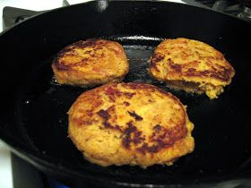 Cutting Out Carbs: Paleo Pen Pals - Bacon Acorn Squash Patties