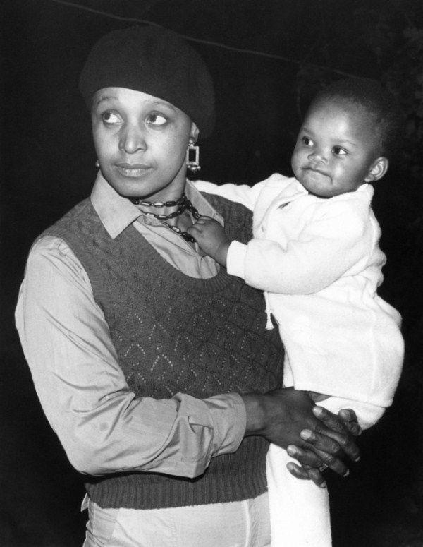 Throwback Thursday: Nelson Mandela and Winnie Mandela + Long Sleeved Wedding Dresses - Munaluchi Bridal Magazine