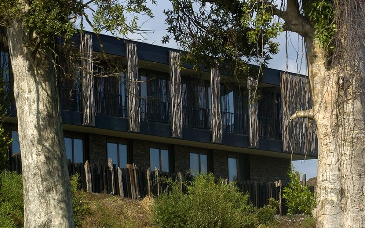 hotel arrebol, patagônia by harald opitz