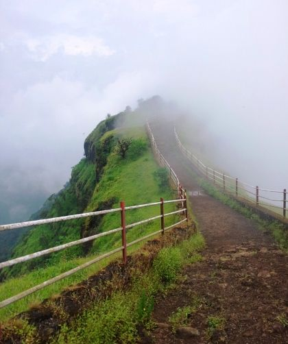 Let the thrill of trekking at #Mahabaleshwar run down your spine. Visit this hill station while in #Mumbai. Getting cheapest flight on IndianEagle.com is a thrill, too.