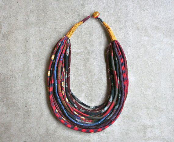 collana colorata in seta di cravatte riciclate / fatta di aBimBeri