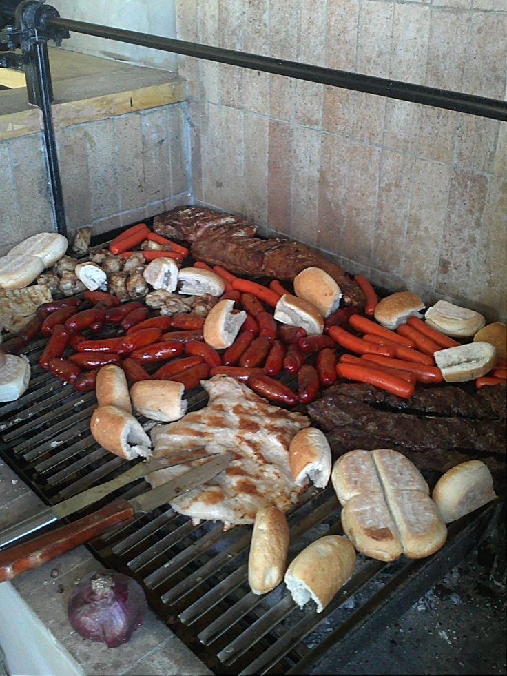 Típico asado chileno, la verdad es que es una delicia.