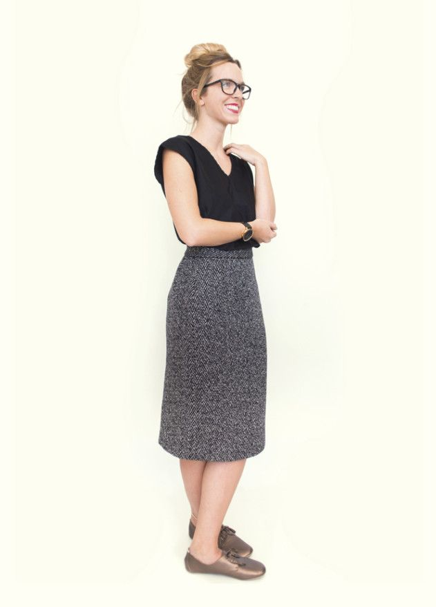 Free pattern for you from Peppermint magazine. This gorgeous pencil skirt is a sophisticated nod to the sixties. Made by the Pattern Runway.