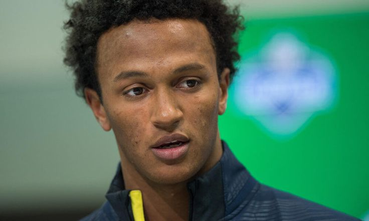 "DeShone Kizer says he can be best quarterback in NFL history = Former Notre Dame quarterback DeShone Kizer may have his inefficiencies, but apparently self confidence is not one of them. Kizer claimed to Tom Pelissero of USA Today Sports that he could be the best the game has ever seen. ""No one else can do what I can do,"" Kizer said. ""And I've truly figured out….."