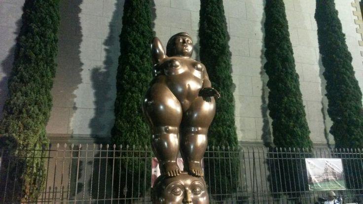 """Parque de """"Las gordas"""" de Botero."""