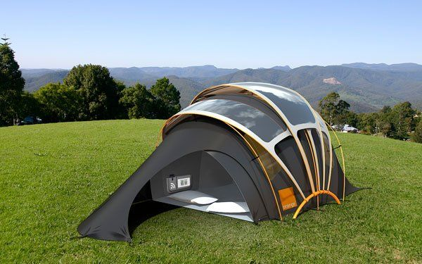 Orange unveils solar concept tent at Glastonbury Design for a nomadic life. Solar Tent for high-tech campers. Futuristic concept tent can harness solar energy to provide electricity to portable gadgets. Camping Snacks, Camping Gadgets, Camping Gear, Camping Equipment, Camping Shelters, Camping Glamping, Survival Gadgets, Camping Checklist, Camping Spots