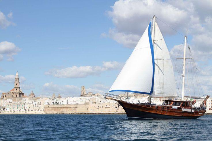 Boat excursion from Monopoli to Polignano a Mare