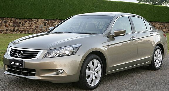2008 Honda Accord Owners Manual –Honda Accord continues to be entirely newly designed for 2008. It's larger and roomier. New some- and six-cylinder engines are not just more robust, they sometimes match or surpass their predecessors regarding fuel economy. The 2008 Honda Accord...