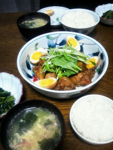 とても美味しそうだったので、作ってみました(^_^) 思った通り、最高に美味しかったです(^_^)b - 77件のもぐもぐ - tibitaityouさんの鶏手羽元のパイナップルジュース煮&ほうれん草の胡麻和え&中華かき玉スープ by えっちゃん