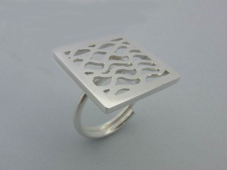 Handmade silver ring by Alexandre Marques