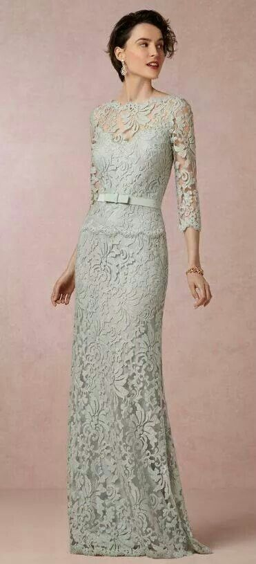I would just LOVE to see Kate wearing this dress! It's her style, with lace, sleekness, and narrow belt.