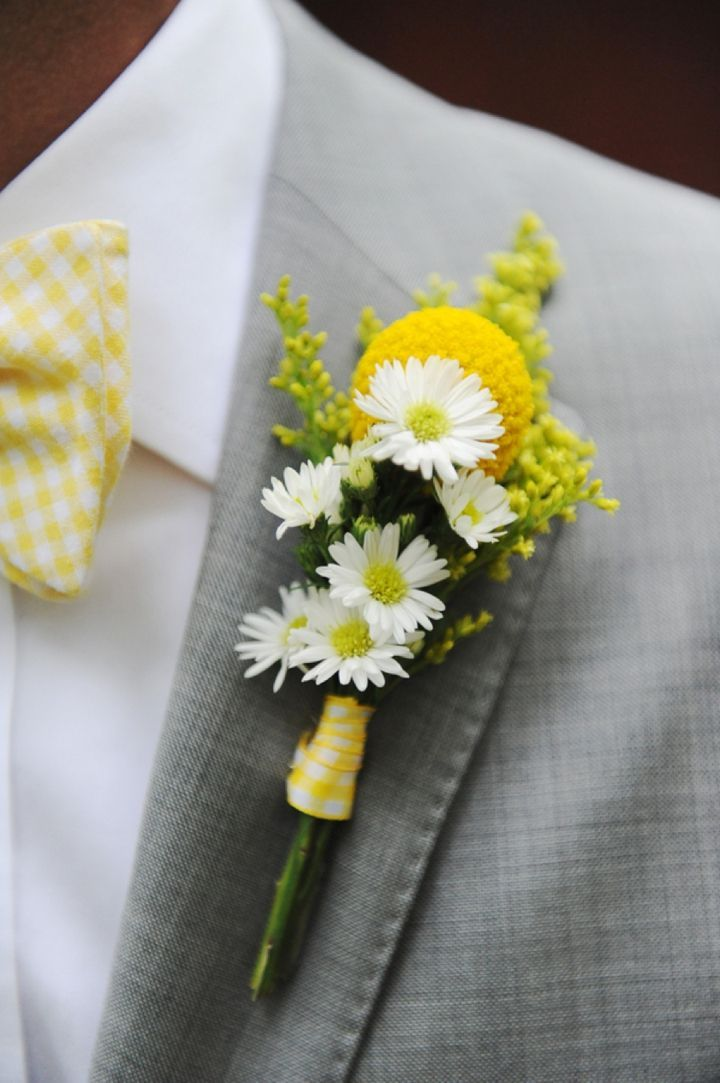 Love this color suit and bow tie and boutonniere except with a white rose ad sunflower.  #yellowwedding #boutonniere