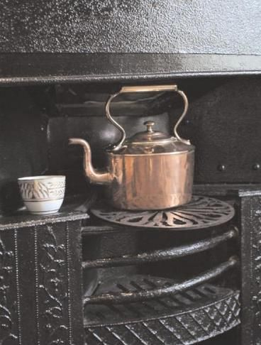 A good old-fashioned cuppa! Did you know Jane Austen was in charge of her family's tea chest? For more fun and interesting facts, follow @LitDetectives!