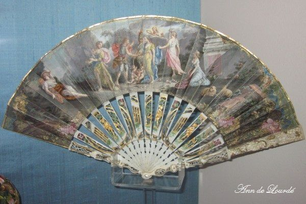 18th Century Fan, Autumn 2012, The Costume Gallery, The Museum of Decorative Arts and Design, Kunstindustrimuseet, Oslo, Norge.