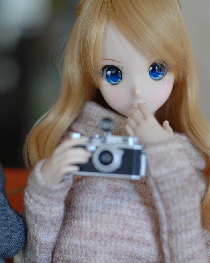 "32 Likes, 1 Comments - HIROAKI MATSUOKA (@hiroq.inte) on Instagram: ""写真、撮ってあげる。 #smartdoll #KizunaYumeno #doll #dollphotography #bjd #Nikon #NikonD2x #D2x #50mmf14…"""